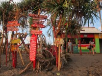 Rasta beach hut / Chiringuito Rasta.