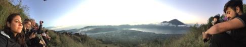 From the top of Mount Batur / Desde la cima del Monte Batur.
