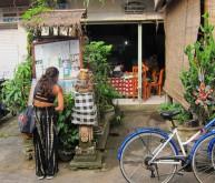 Visiting Wayan, the healer from Eat Pray Love / Visitando a Wayan, la curandera de Come Reza Ama.