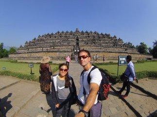 The closer you get, the bigger it seems. // Más te acercas, más grande el templo.