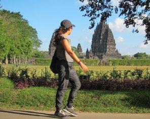 Prambanan, largest Hindu temple complex in Indonesia. // Prambanan, el complejo de templos Hindúes más grande de Indonesia.