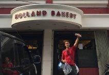 """Found freshly made """"ontbijt koek""""!!! // Encontré quequito holandés!"""