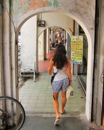 Typical Penang street. // Calle típica de Penang.