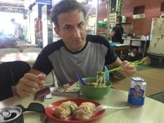 And then, street-food!. // Y luego empezó la comida callejera!.