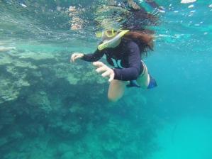 Snorkeling with style. // Buceando con estilo.