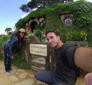 Visiting our friend Bilbo. // Visitando al amigo Bilbo.
