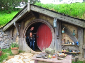 Larger than average Hobbit House, // Casa Hobbit, más grande que el promedio.