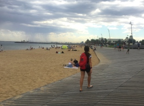 We went to Melbourne's beach...and it rained. // Nos llovió el dia que decidimos ir a la playa.