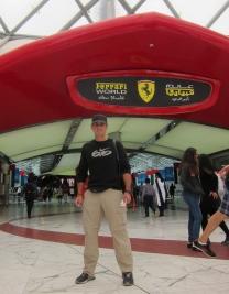 And we made it to Ferrari World! (including Ferrari-pricing for the tickets). // Y llegamos al Ferrari World (con entradas a precios de Ferrari).