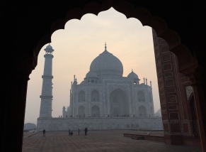 And the Taj, as viewed from the mosque. // Y el Taj, visto desde la mezquita.