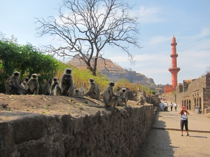 Daulatabad fort, on the way to Ajanta. // El fuerte Daulatabad, camino a Ajanta.