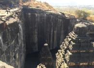 From the top, so you can see how they cut the mountain open. // Desde arriba, para que vean como cortaron el cerro.