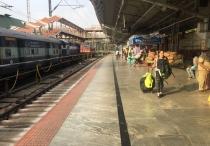 ... as of then, trains were the norm. // ... después de eso, trenes corazón.