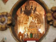 Inside Goa's Cathedral. // Adentro de la Catedral de Goa.