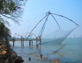 Chinese fishing nets in Kochi. // Redes chinas de pesca, famosas en Cochin.