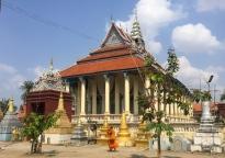 One of many pagodas. // Una de muchas pagodas.