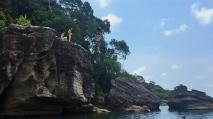 ...and me jumping off the elephant rock. // ... y yo saltando de la roca elefante!