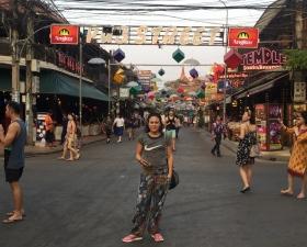 """The famous """"pub street"""" // La famosa """"calle de los pubs"""""""