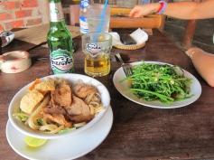 Cao lầu, typical Hoi An dish. // Cao lầu, el plato típico de Hoi An.