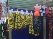 ...and then, ore banana prints. // ...y más estampados bananeros.