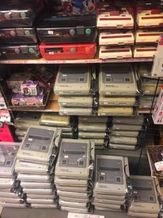 Nintendos, anyone? // Alguien quiere un Nintendo?